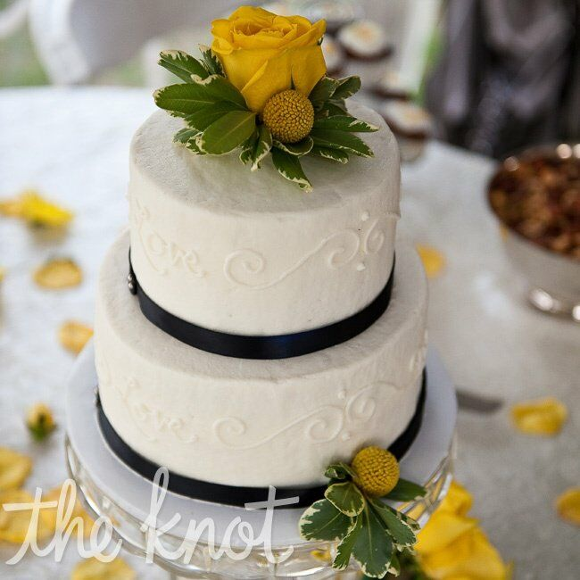 blue and yellow wedding cake ideas blue and yellow vintage inspired wedding cake 11969