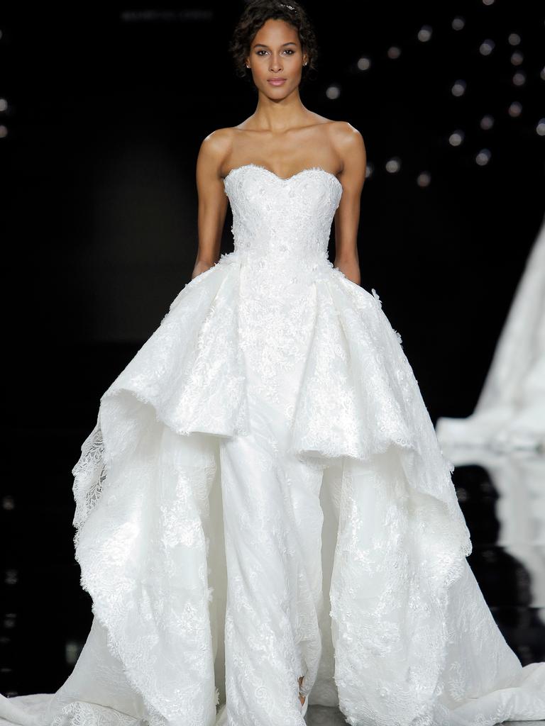 Atelier pronovias 2017 collection bridal fashion week photos for Wedding dress 2017 collection