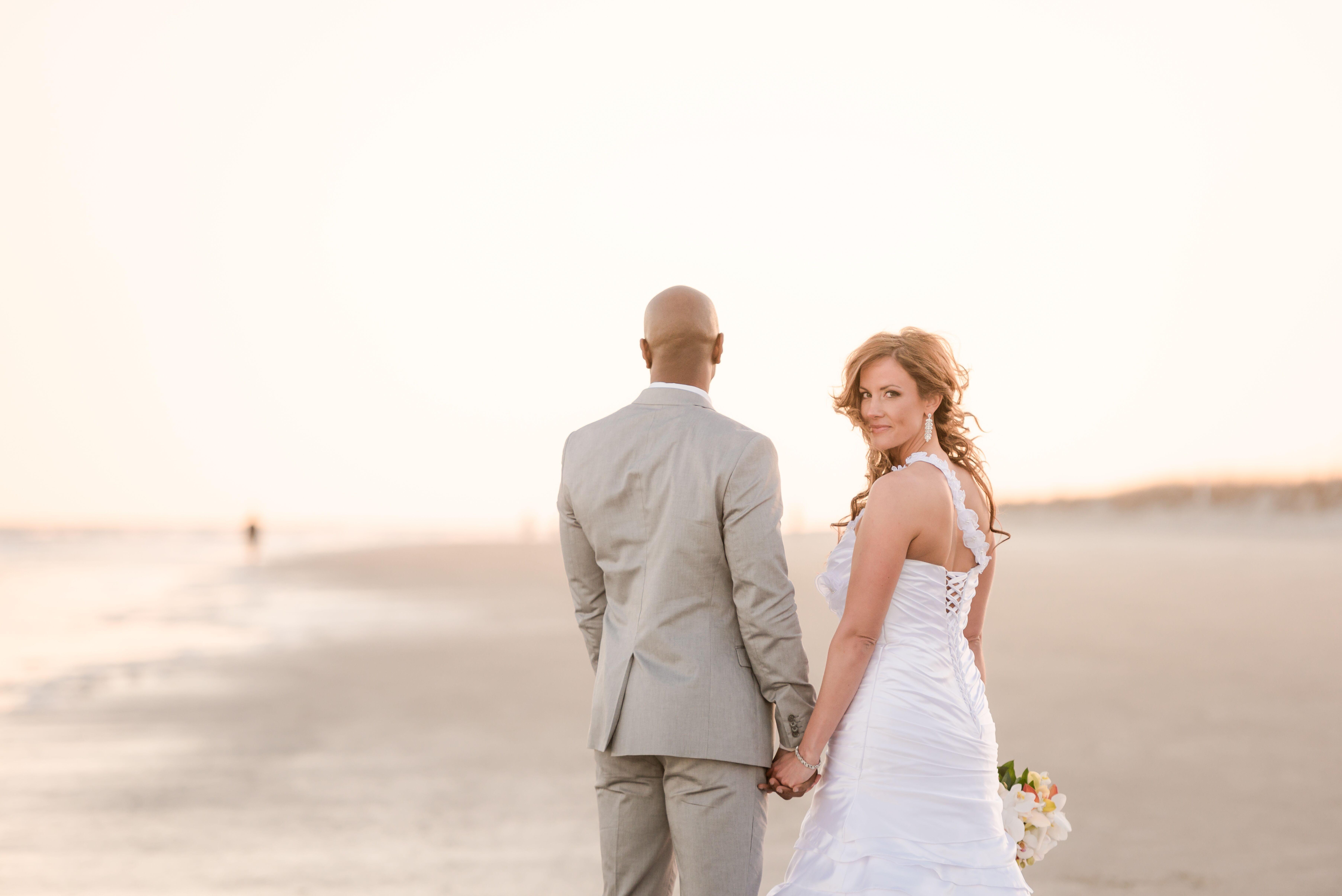 African american wedding photos a pretty beach wedding at omni oceanfront resort in hilton head island south carolina ombrellifo Gallery