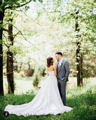 Bridal salons in minturn ar the knot for Wedding dress preservation little rock ar