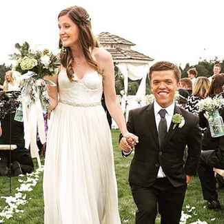 Zach Roloff of 'Little People, Big World' walks down the aisle with his wife Tori Patton