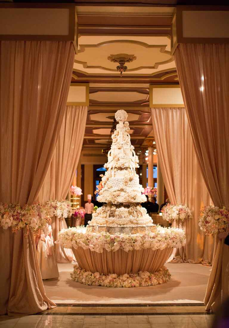 grand wedding cake designs 10 wedding ideas you ve never seen before 14897
