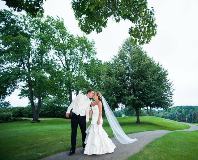 A Bright Summer Wedding At Paint Creek Country Club In Lake Orion Michigan
