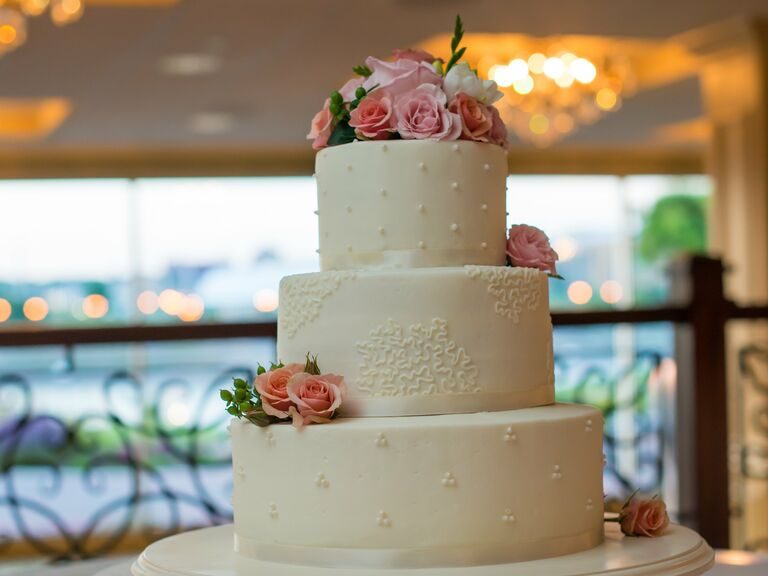 Wedding Cakes In Bismarck