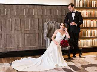 'Fifty Shades Darker'–Themed Wedding Photos