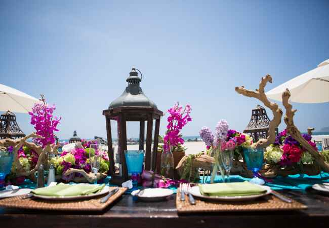 Bright Beach Tables | Vallentyne Photography | blog.TheKnot.com