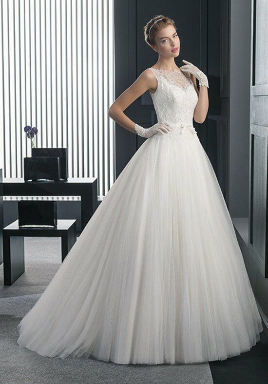 Two by Rosa Clará RAMO Wedding Dress photo