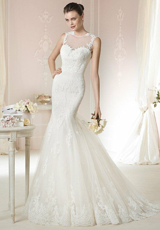 WHITE ONE Daimi Wedding Dress photo