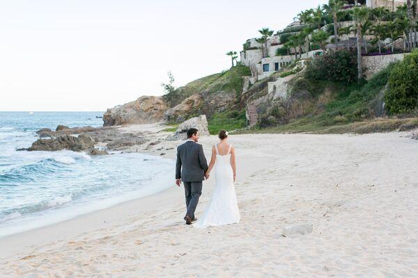 Pronovias Real Wedding Inspiration: Lace Pronovias Wedding Dress
