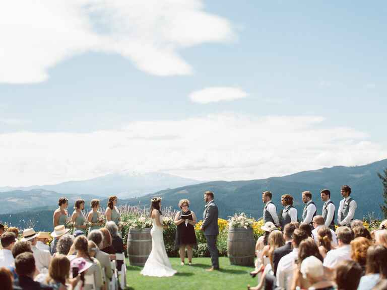 Gorge Crest Vineyards Washington wedding venue