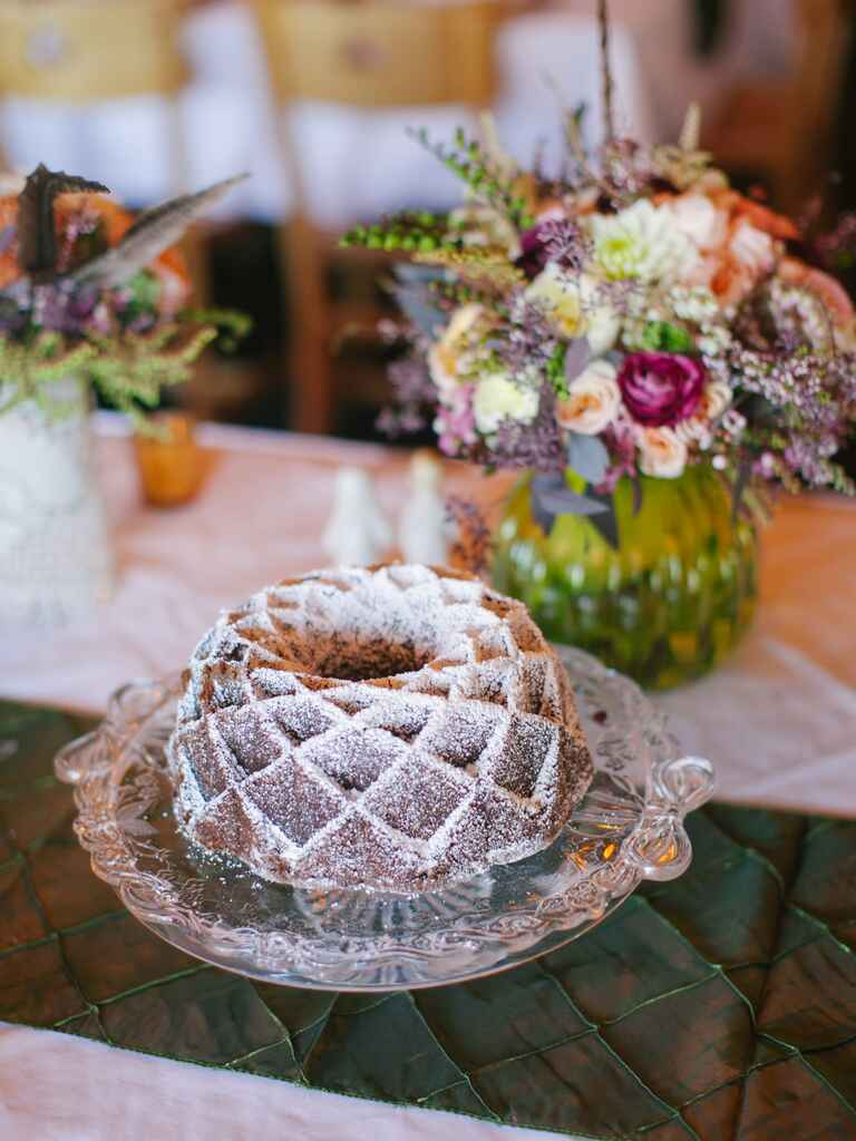bundt cake wedding dessert