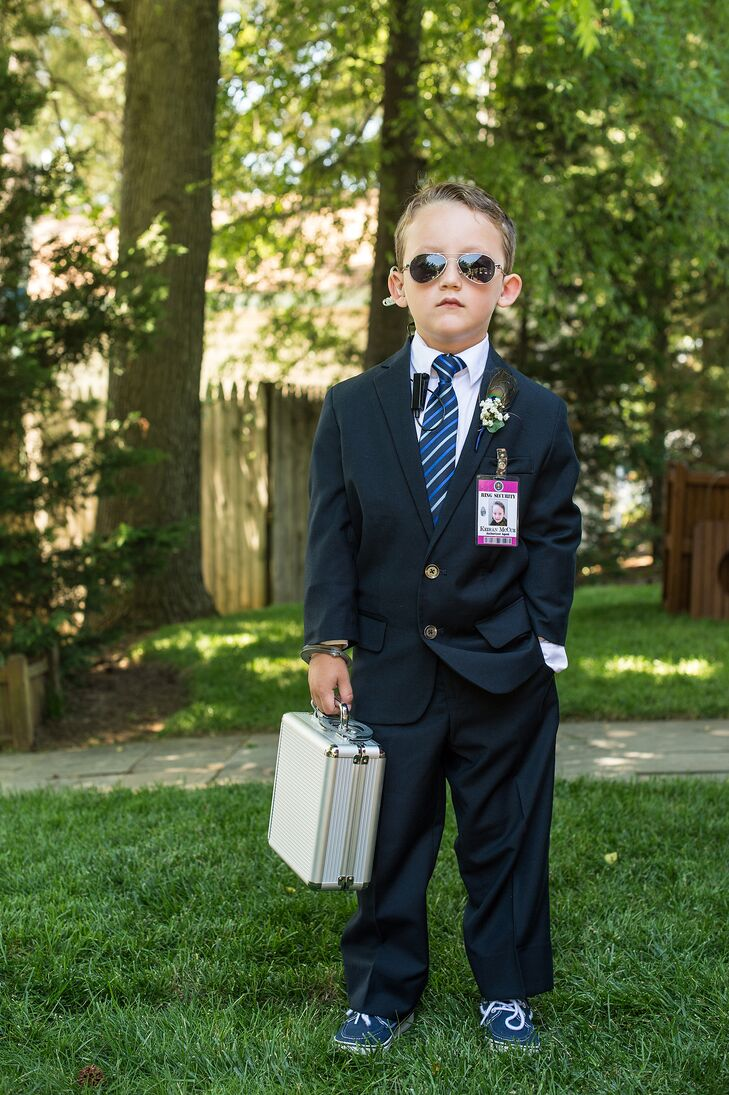 Secret service ring bearer