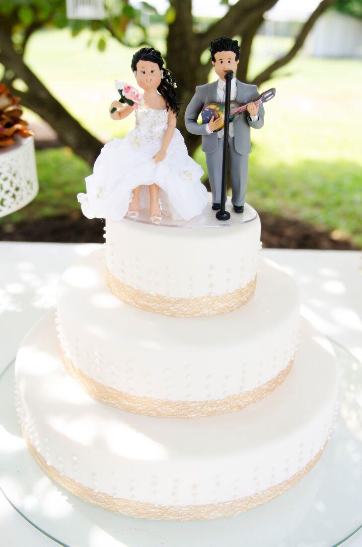 a bright summer backyard wedding anniversary at a private