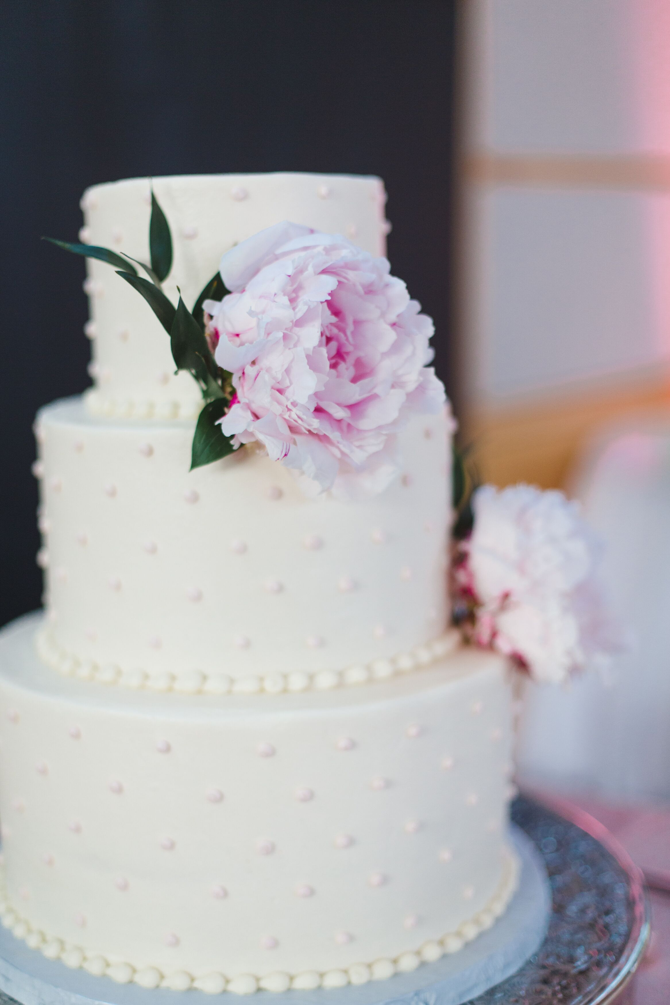 wedding cake with dots buttercream swiss dot wedding cake 26869