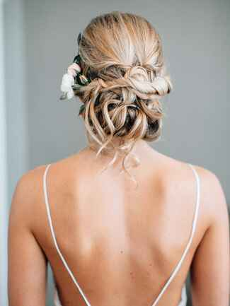 Hair must have photo to take at your wedding