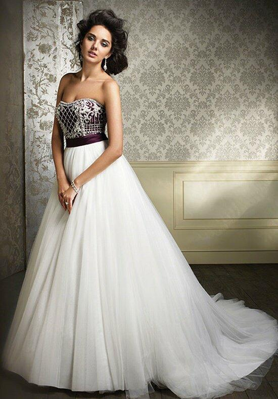 Alfred Angelo Sapphire 890 Wedding Dress photo