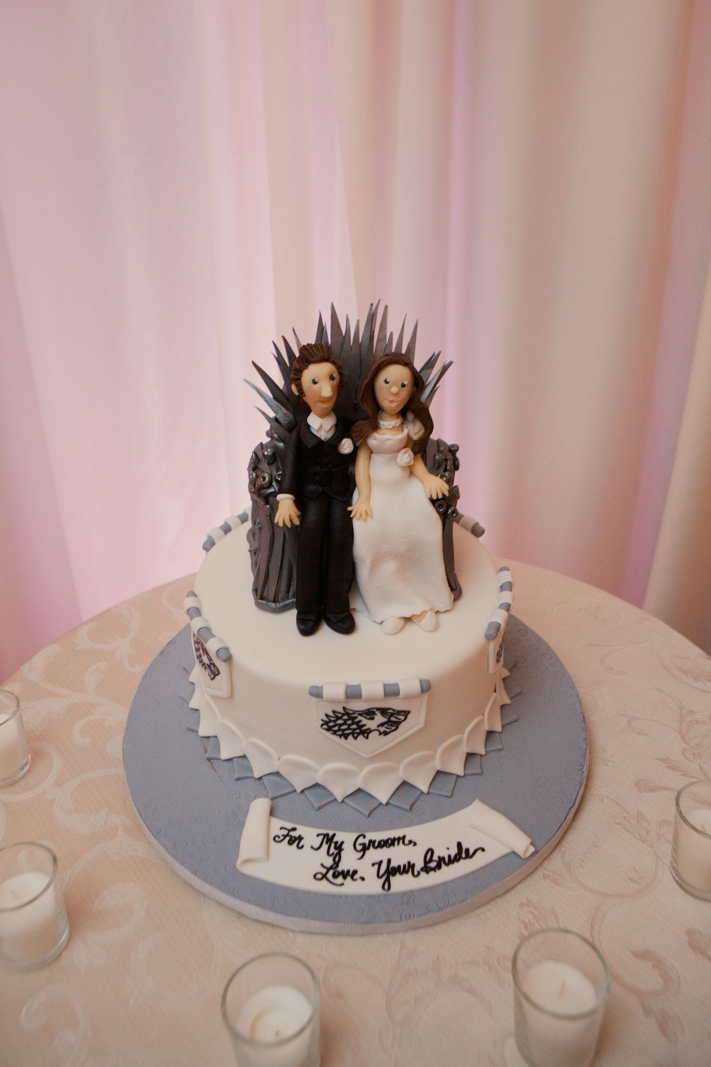 39 game of thrones 39 themed groom 39 s cake. Black Bedroom Furniture Sets. Home Design Ideas