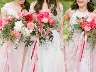 bright pink bridesmaid bouquets
