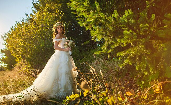 Jeremy roloffs wife audrey my little people big world wedding tips audrey roloff poses in her wedding dress junglespirit Image collections