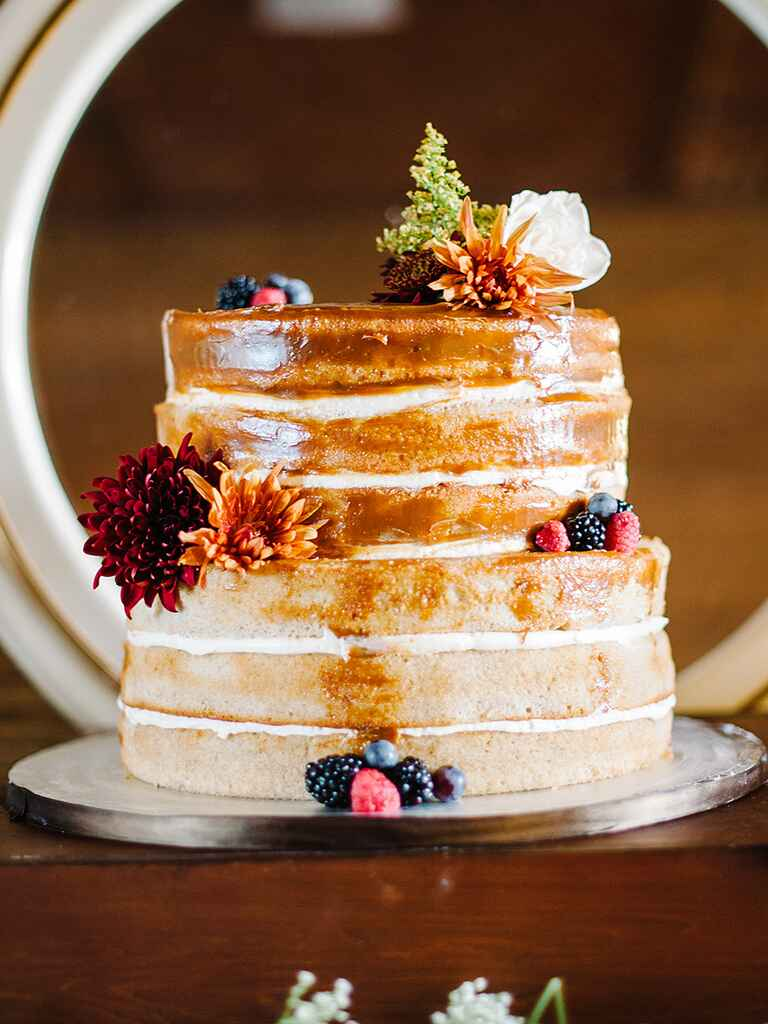 Stand Cake Designs : Rustic wedding cake ideas and inspiration