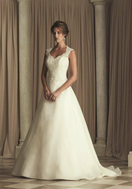 Paloma Blanca 4452 Wedding Dress photo