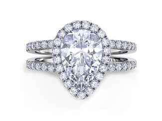 Engagement ring by Danhov