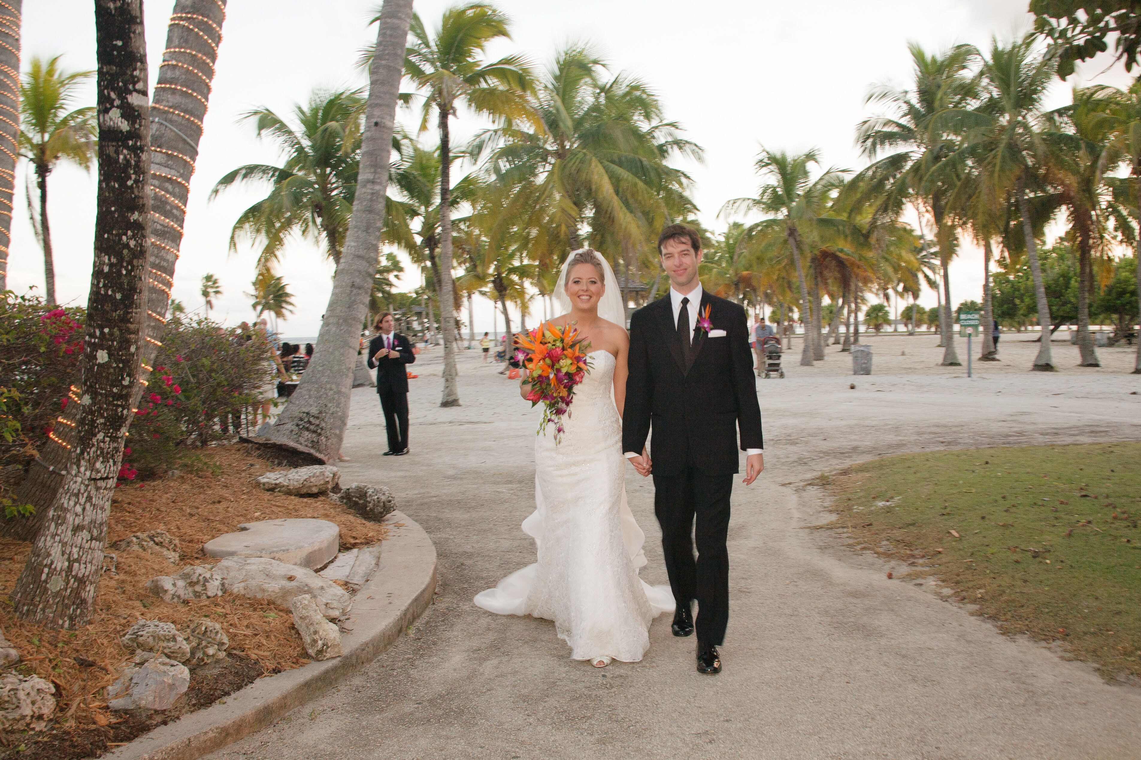A tropical wedding at red fish grill in coral gables florida for Red fish restaurant