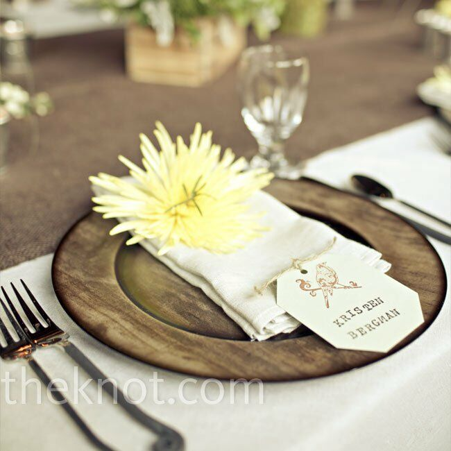 Rustic Wedding Reception Ideas: Wooden Reception Chargers
