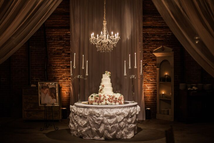 A romantic southern miss themed wedding at the south warehouse in b2192608 2a56 11e6 af22 0e6345a2d5d3rs 729 junglespirit Images