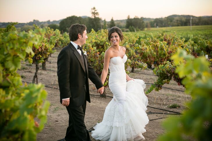 Get lost within the green, lush landscape at this vineyard wedding with a glamorous twist, thanks to the simple color palette of white with a hint of
