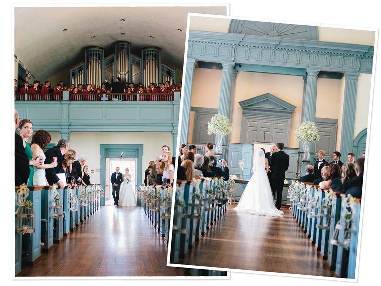 Pareja caminando por el pasillo en una boda interior desde dos ángulos