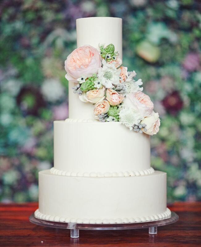 fresh flowers on wedding cakes pictures feast your on these 15 fresh flower wedding cakes 14482