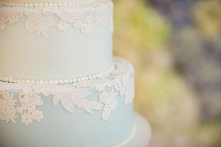 White Lace-Inspired Fondant Wedding Cake Detailing