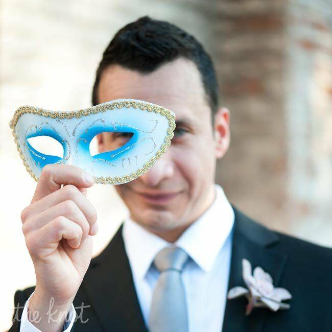 Mardi Gras Wedding Ideas: A Mardi Gras-Themed Wedding In New Orleans, LA