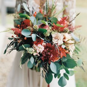 Fall wedding flower arrangements cascading romantic autumnal bouquet junglespirit