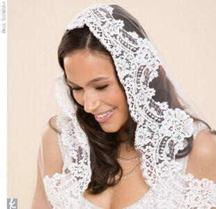 Wedding veil styles youll love wedding veil styles youll love the mantilla veil junglespirit Choice Image