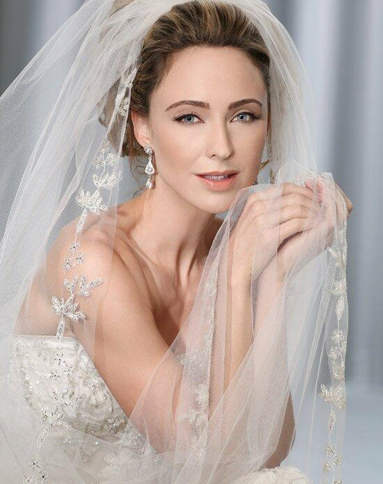 Bel Aire Bridal V7157C Wedding Veils photo