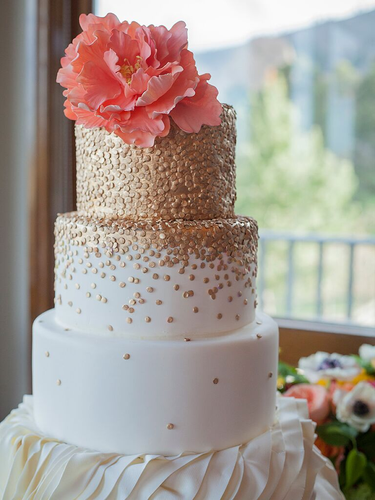 18 wedding cakes with bling that steal the show glam wedding cake with metallic gold details junglespirit Gallery