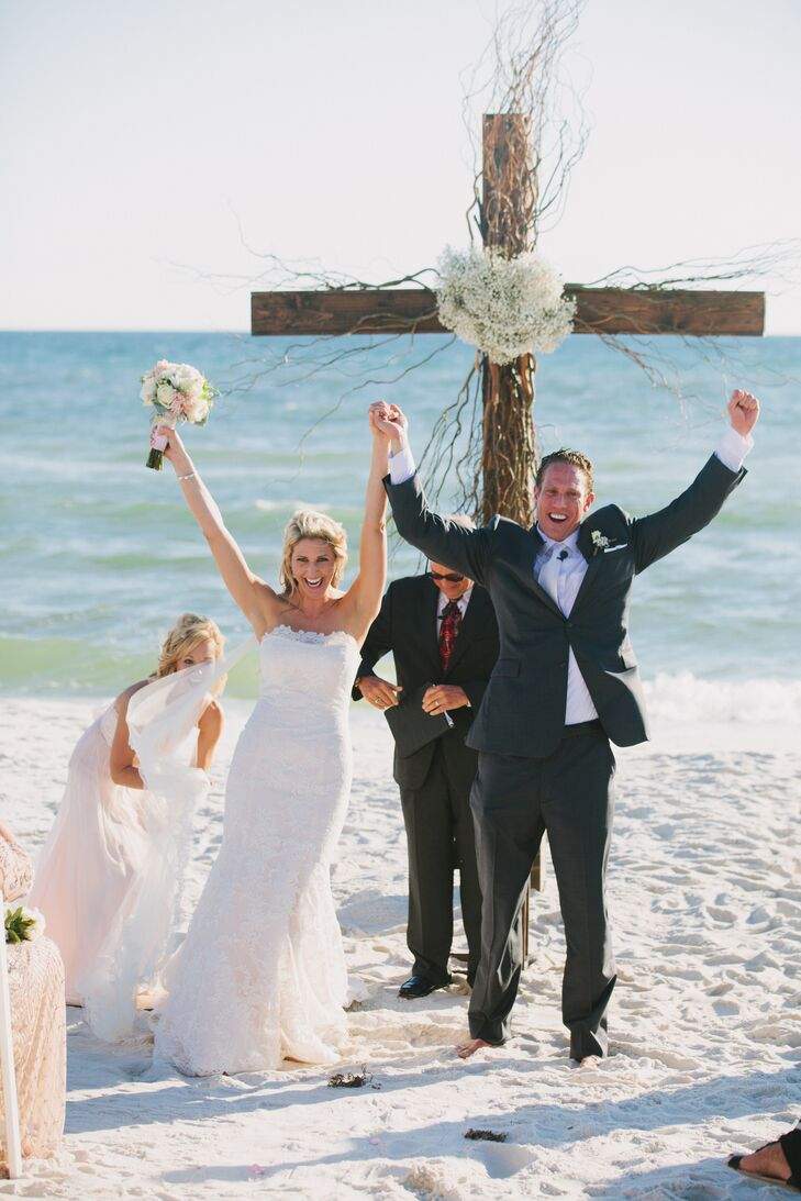 A Casual Rustic Wedding at Kelly Green in Aly\'s Beach, Florida