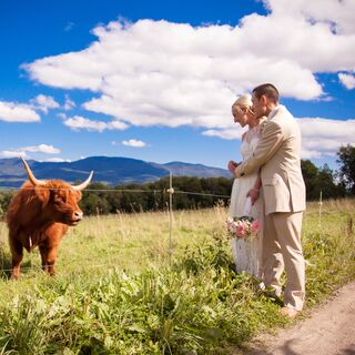A Romantic Mountain Wedding in Stowe