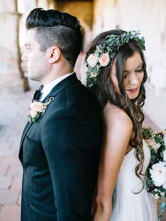 Wedding flower crown with ivy and ranunculus
