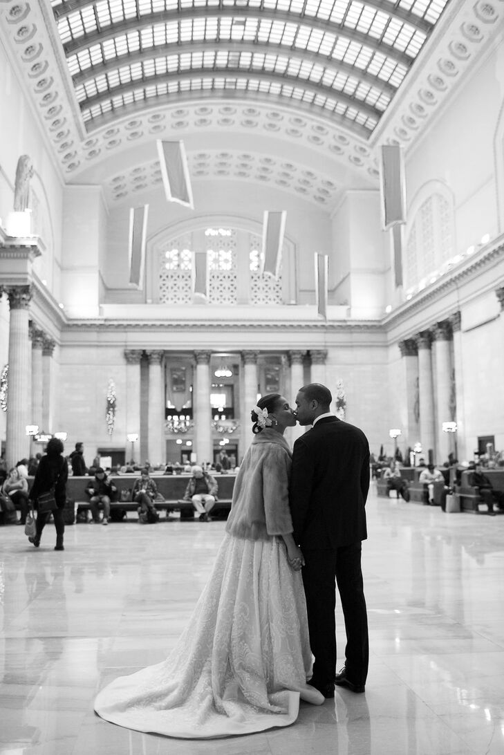 A Glam, Modern New Year\'s Eve Wedding at the Adler Planetarium in ...