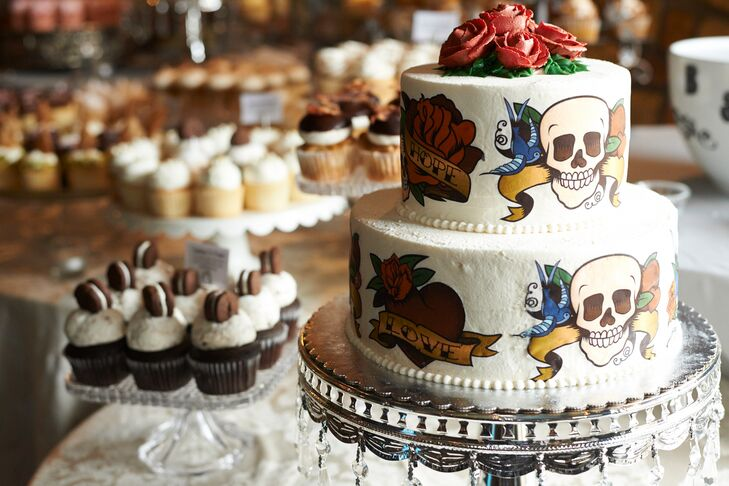 Since the newlyweds are both covered in tattoos, it only made sense to carry the same motif through both the cake and stationary suite.