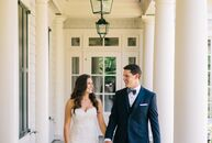 Seagrass, linen, marble, wood and silver details lent a textured twist to Kelli Sherrill (27 and a professional equestrian) and Josh Gibson's (28 and