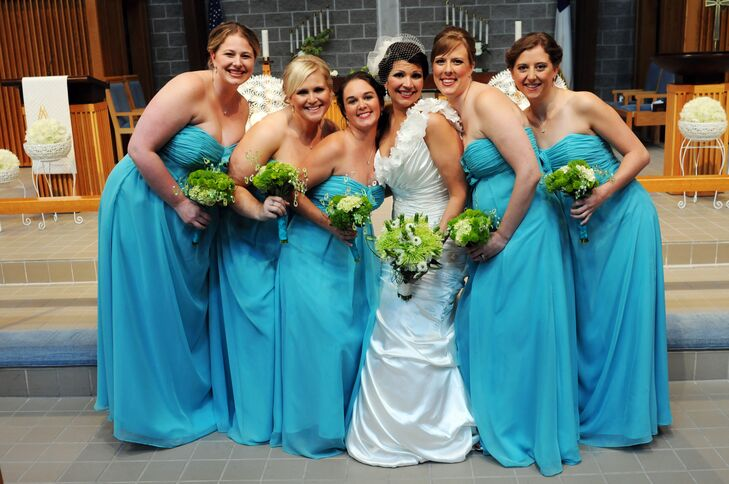Bridesmaids in Turquoise with Lime Green Bouquets