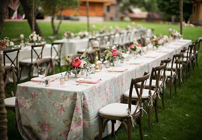 Patterned Tablecloths | Jason+Gina Wedding Photographers |u003cimg Classu003d