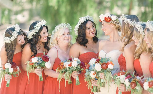 Bridesmaids wearing flower crowns: We Heart Photography/ TheKnot.com