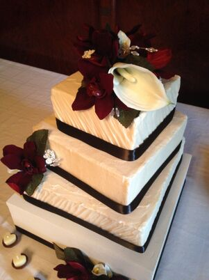 wedding cakes in pittsburgh pa wedding cakes desserts in pittsburgh pa the knot 24735