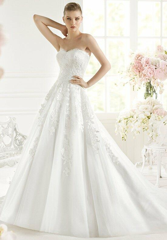 AVENUE DIAGONAL Gelyd Wedding Dress photo