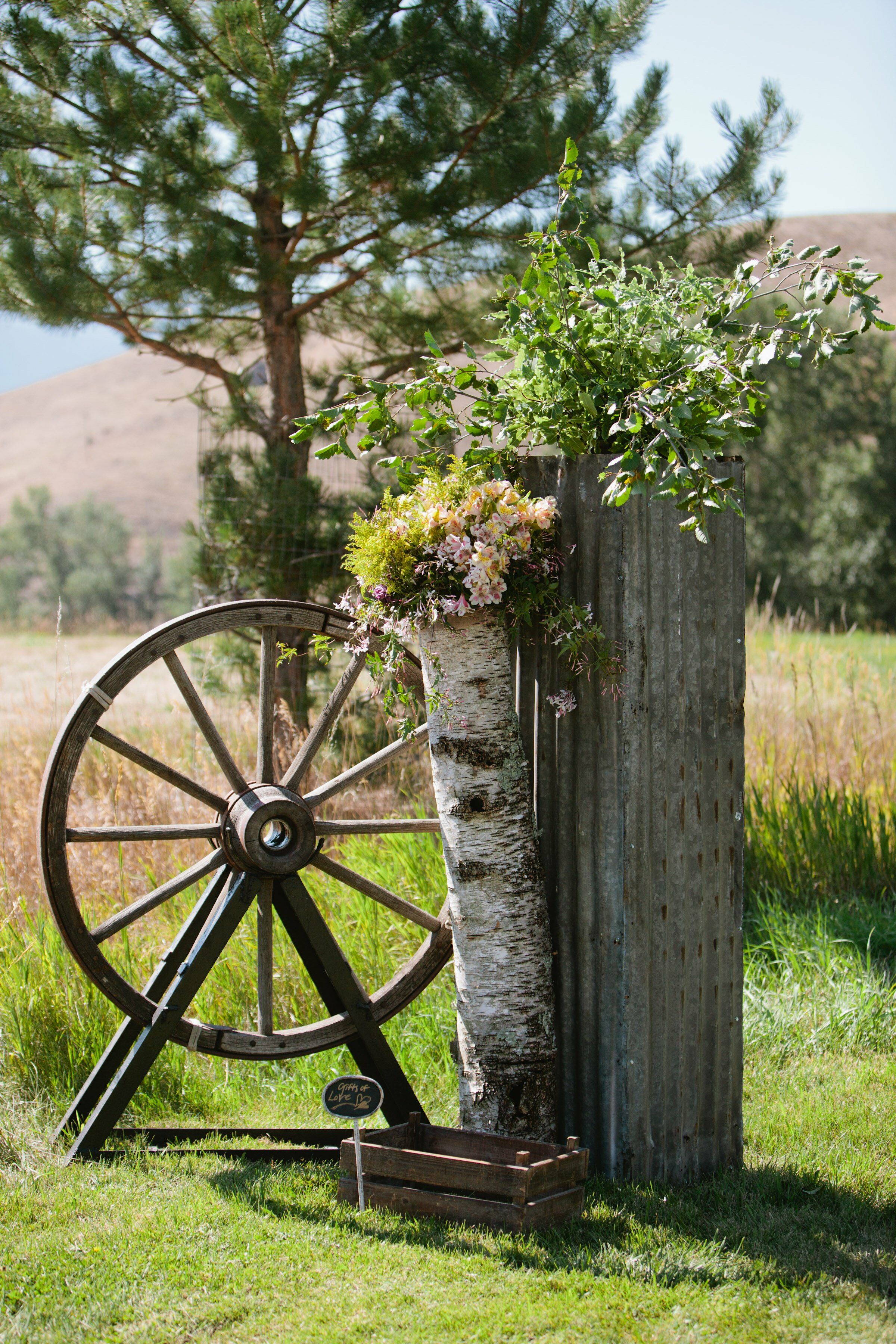 wagon wheel ceremony decor rustic home decor red wagon wheel photograph by vitanostra
